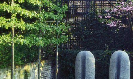 beautiful-tree-fence-design