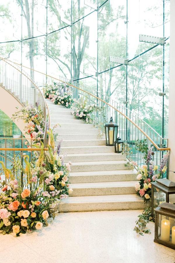 wedding-stairs-decor
