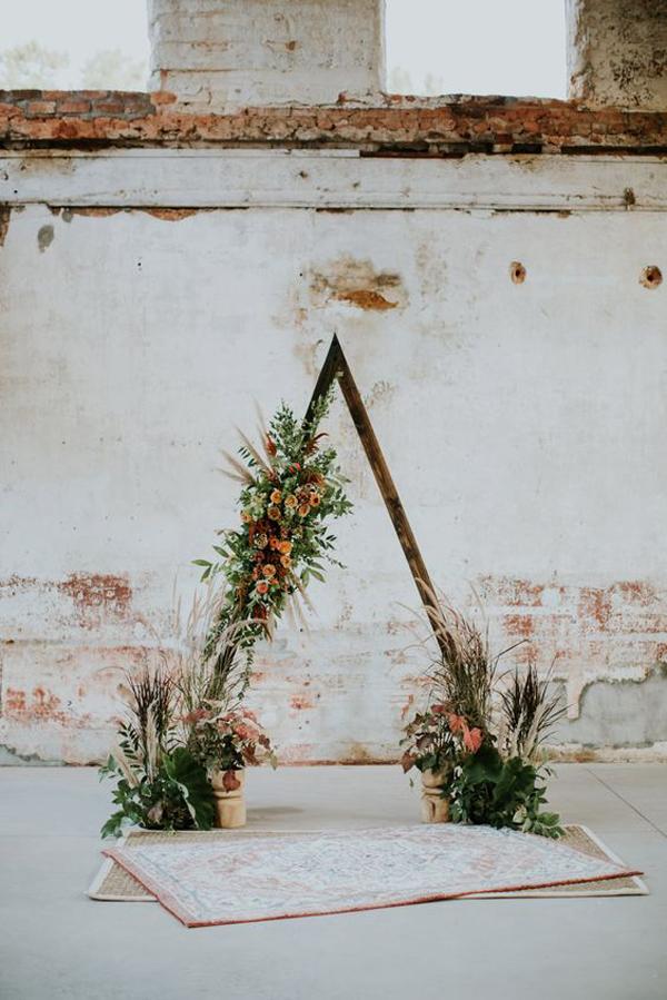 triangle-boho-wedding-backdrop