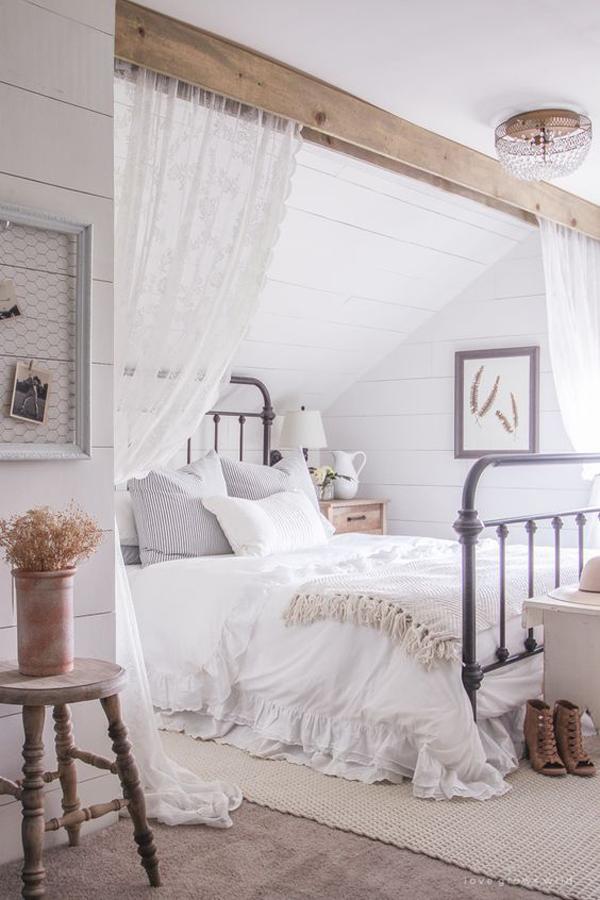 farmhouse-vintage-bedroom-ideas-with-curtain