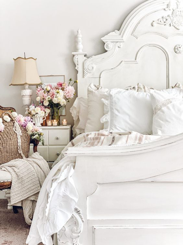 french-vintage-bedroom-with-floral-decor