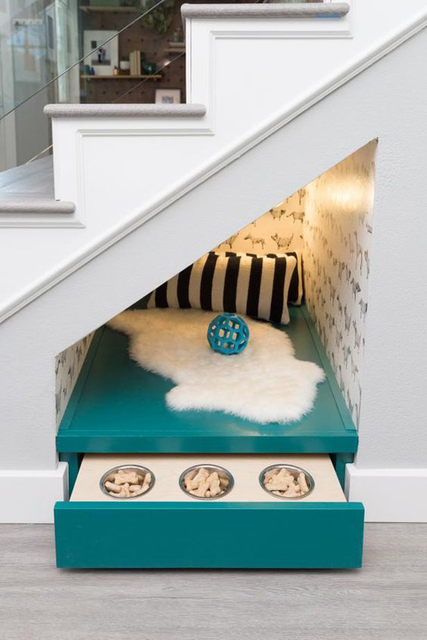 small-dog-nook-and-feeding-under-the-stairs