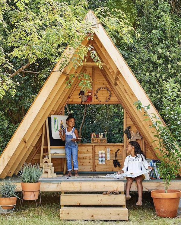 a-frame-treehouse-with-study-room