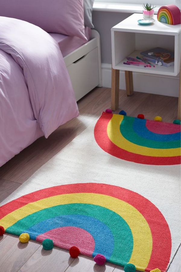 adorable-rainbow-pom-pom-rugs