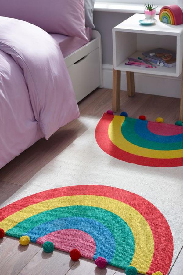 adorable-rainbow-pom-pom-rugs