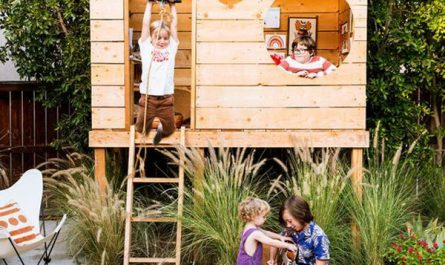 awesome-kids-treehouse-with-playhouse