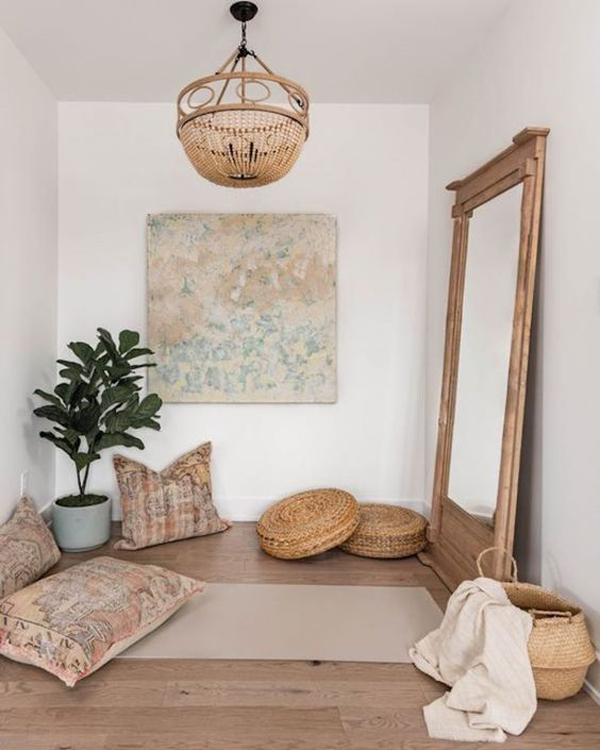 boho-chic-meditation-space-with-wood-element