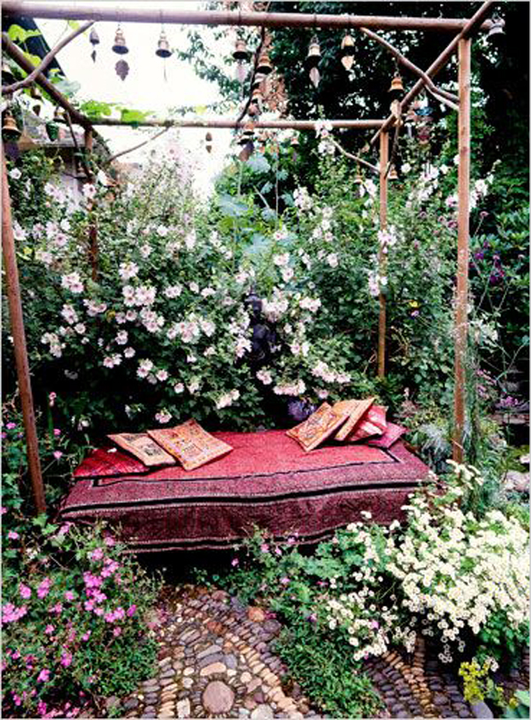 boho-private-garden-ideas-for-your-hideaway