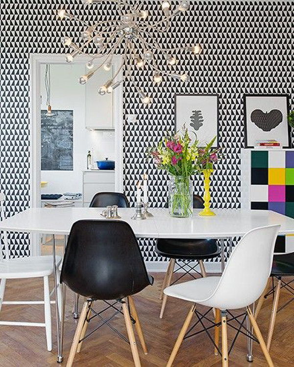 bold-dining-room-wall-decoration