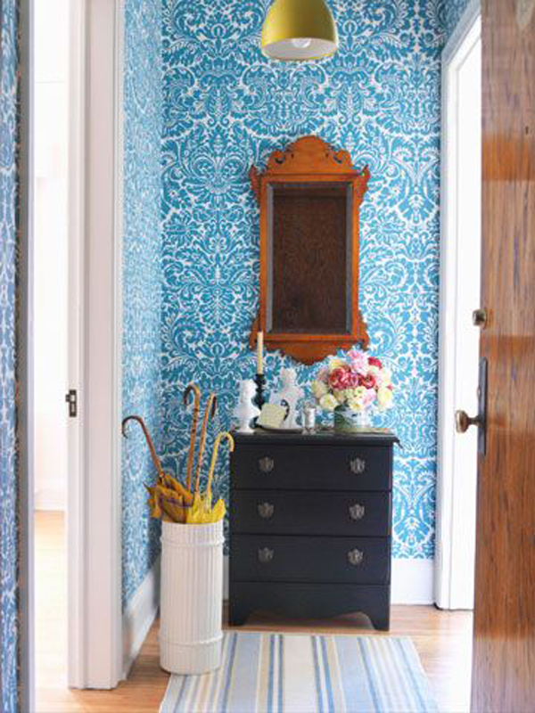 bright-and-bold-blue-wall-decoration