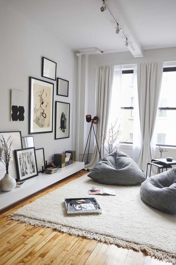 cozy-living-room-with-benbags