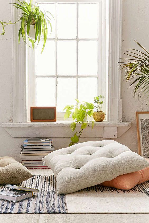 cozy-seating-area-with-window-decor