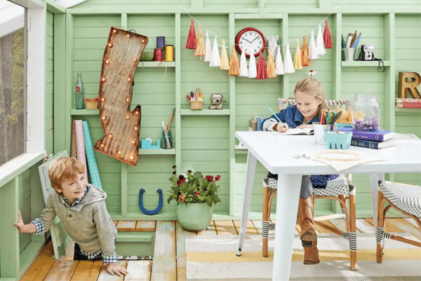 creative-treehouse-with-playroom