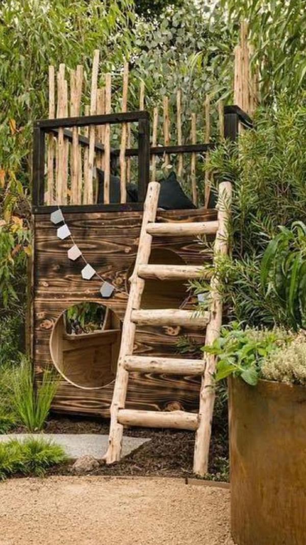 fun-diy-castle-treehouse-ideas