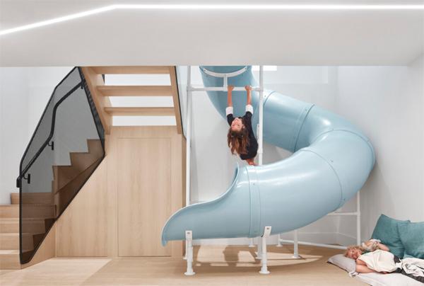 giant-blue-slide-for-family-home