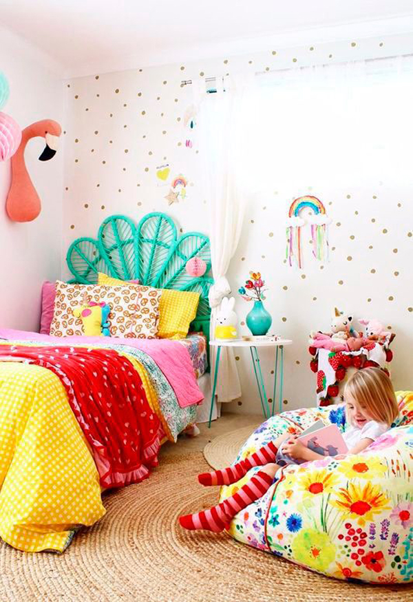 kids-rainbow-bedroom-decor