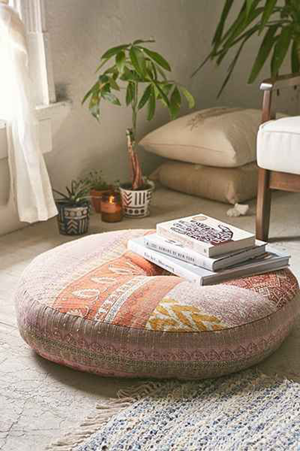 large-floor-cushion-for-reading-nooks