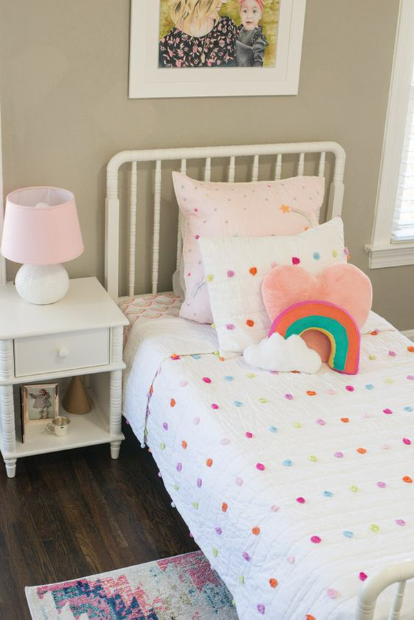 minimalist-rainbow-bedroom-ideas-for-little-girl