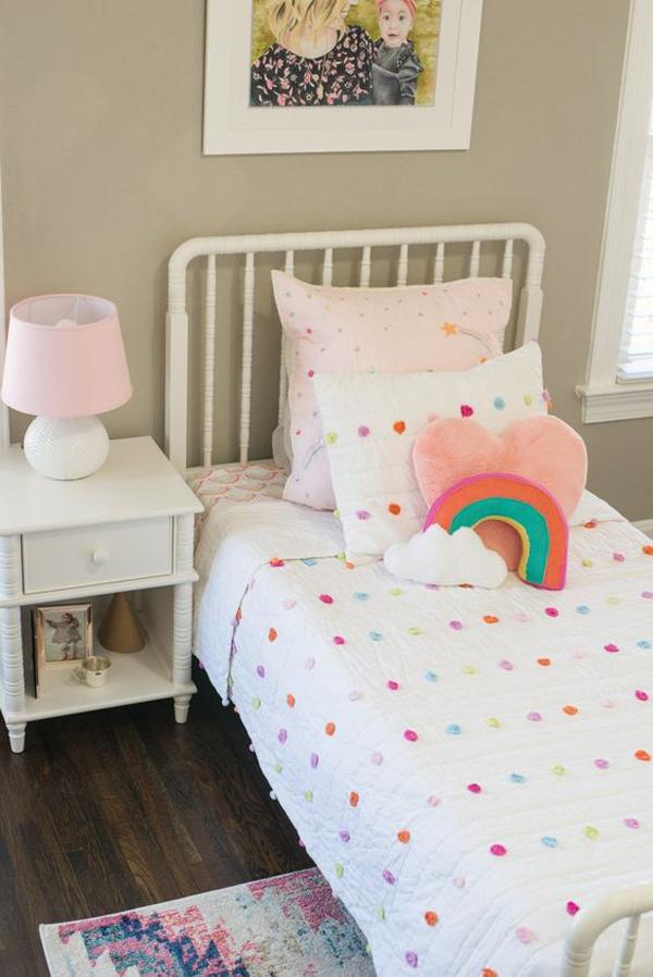 minimalist-rainbow-bedroom-ideas-for-little-girl