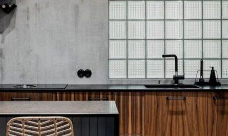 modern-chic-kitchen-design-with-glass-block-wall