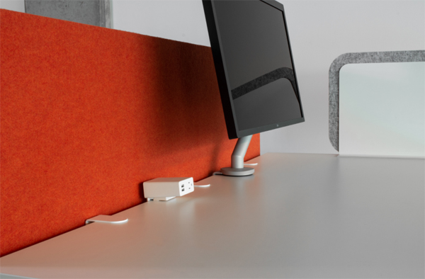 red-desk-divider-design