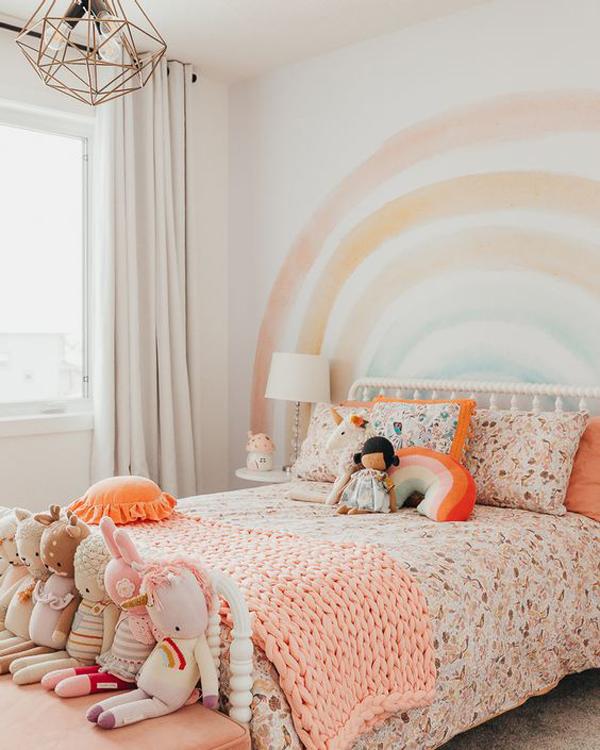 rustic-rainbow-themed-bedroom-for-little-girl