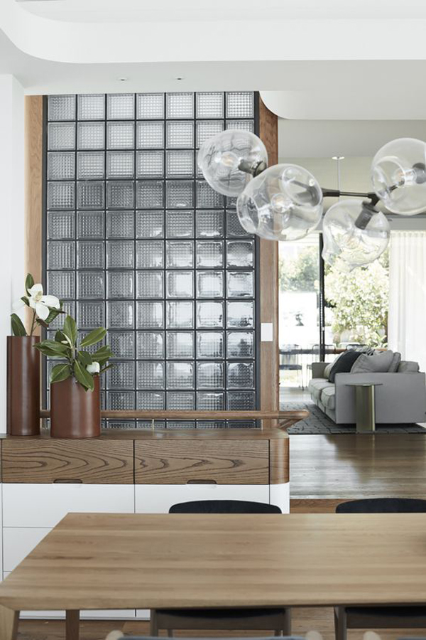 stylish-living-room-design-with-glass-block-divider
