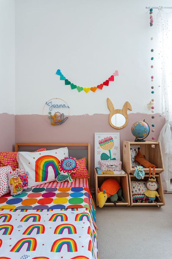 vintage-rainbow-bedroom-with-diy-shelves