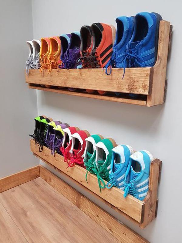 wooden-hang-shoe-rack-in-the-wall