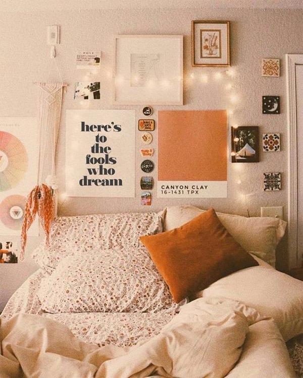 adorable-boho-bedroom-with-wall-art-decor