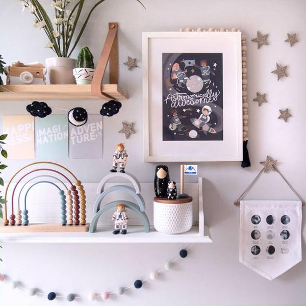 astronauts-kids-wall-frame-decor