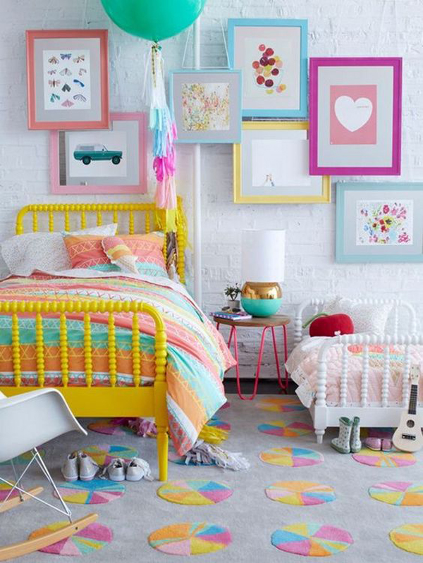 beautiful-little-girl-bedroom-with-gallery-walls