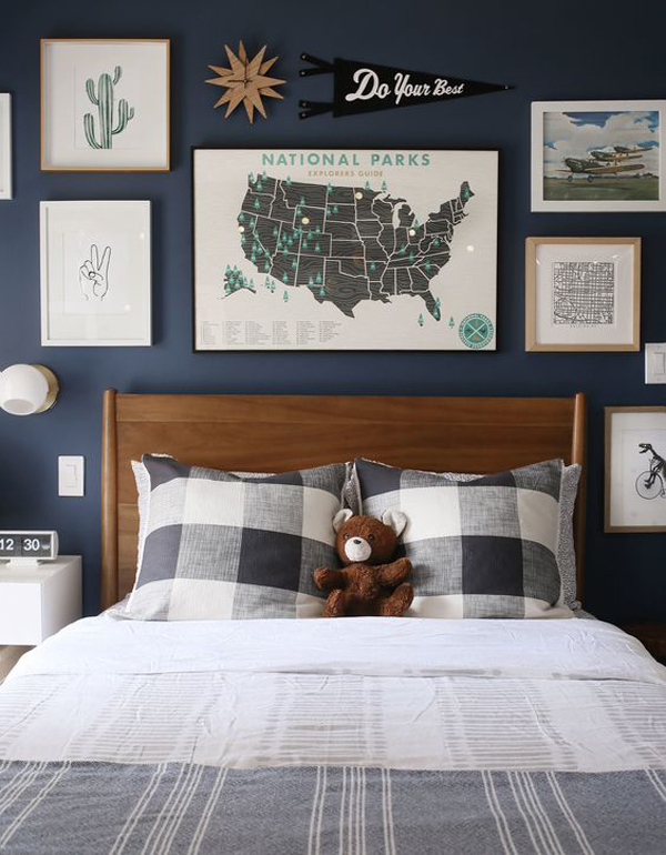 bold-boys-bedroom-with-gallery-headboard-in-the-wall