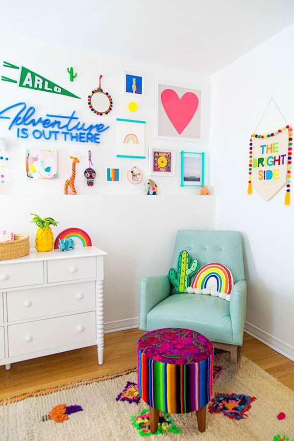 colorful-kids-reading-nok-with-gallery-walls