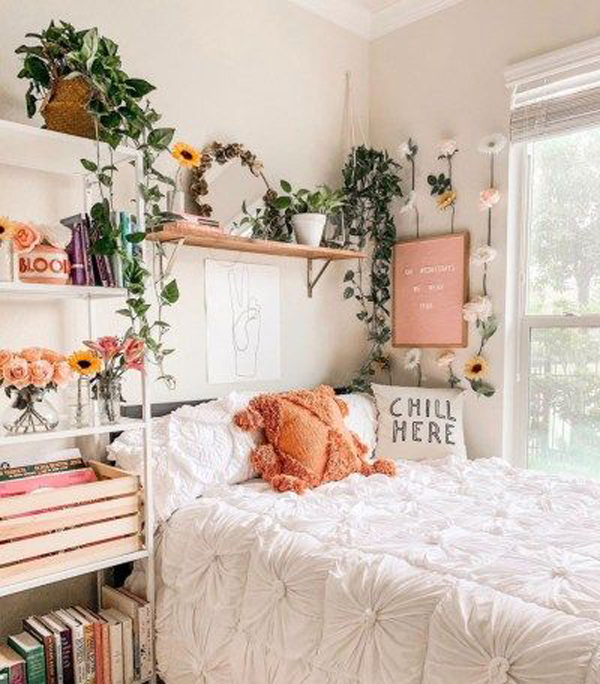 favorite-boho-bedroom-with-planter-wall