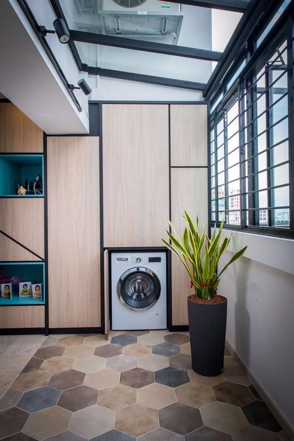 hidden-laundry-cabinet-in-balcony