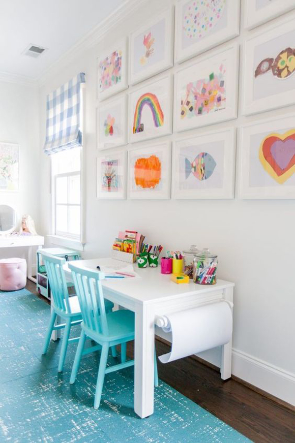 kids-play-area-with-wall-frame-decor