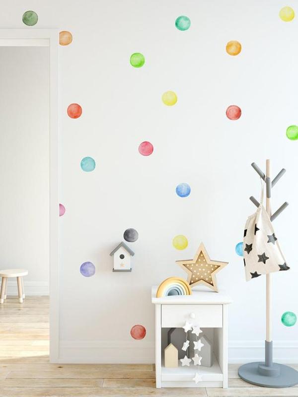 kids-polkadot-wall-decorations