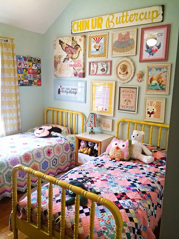 little-girl-shared-bedroom-with-gallery-walls