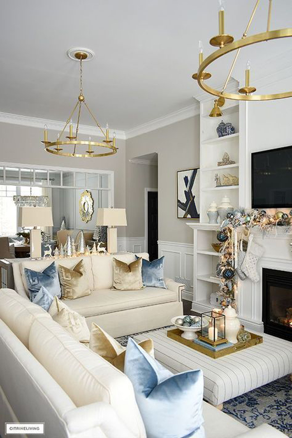 luxury-christmas-living-room-with-gold-decor