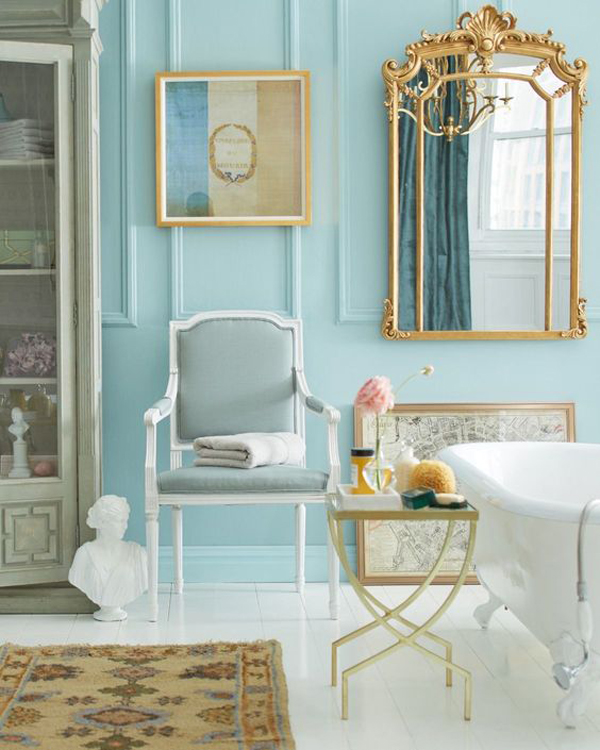 parisian-inspired-bathroom-with-gold-decoration