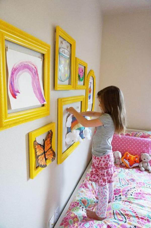 pretty-gallery-art-wall-in-yellow-frame