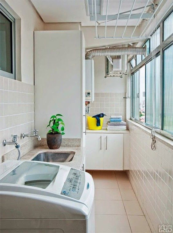 private-balcony-laundry-room-design
