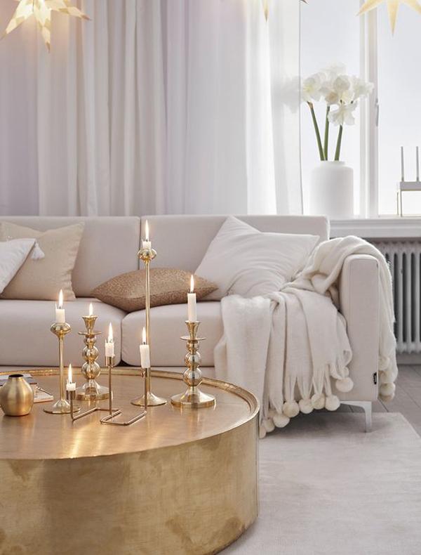 romantic-gold-accent-living-room