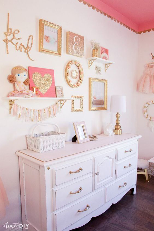 shabby-chic-gallery-walls-for-little-girl