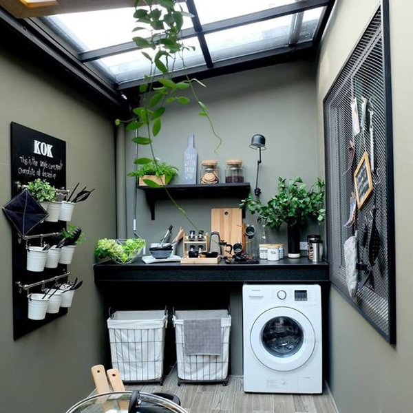 small-laundry-room-organization