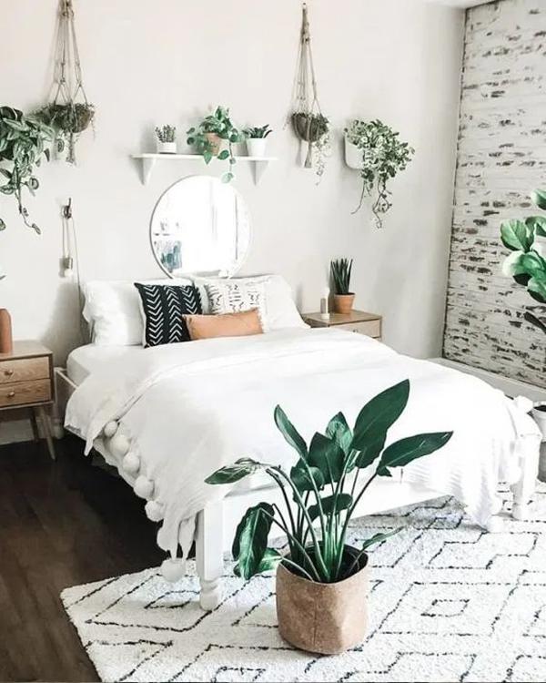 white-boho-bedroom-ideas-with-houseplants