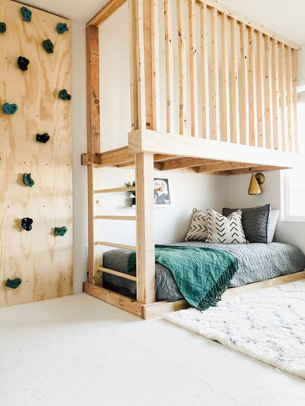 wooden-loft-rooms-with-rock-climbing-wall