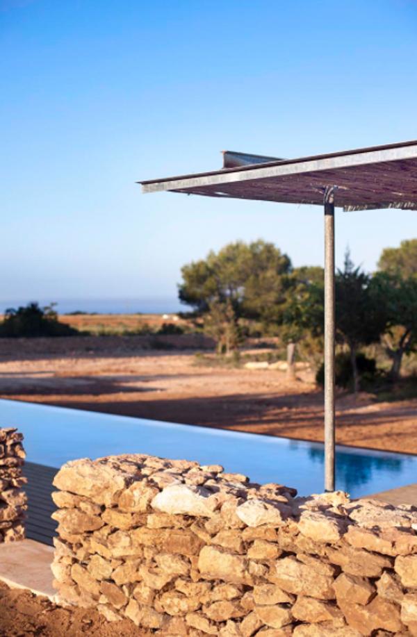 antique-deck-swimming-pools