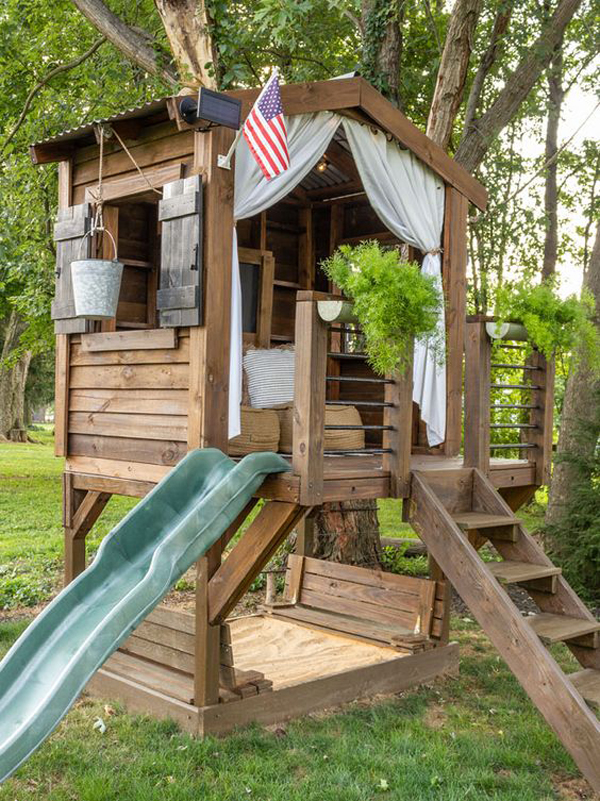 backyard-diy-playhouses-with-sandbox